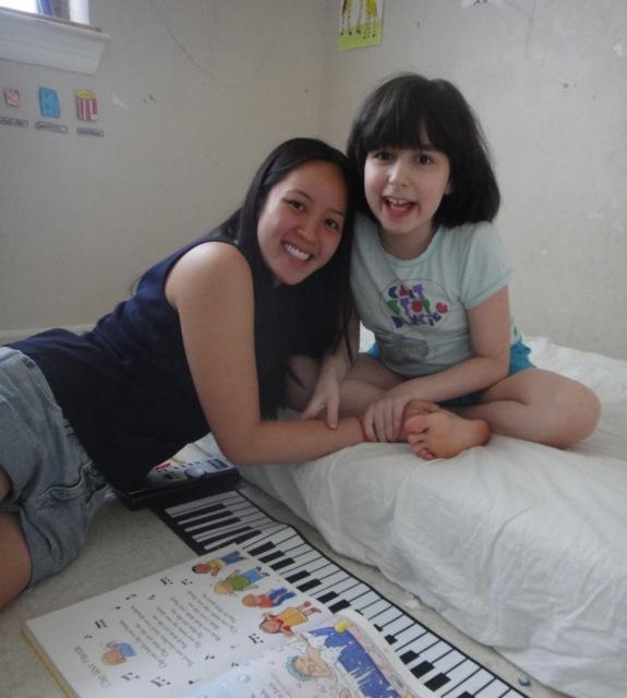 2012-07-16 Volunteer Emily DSC05081
